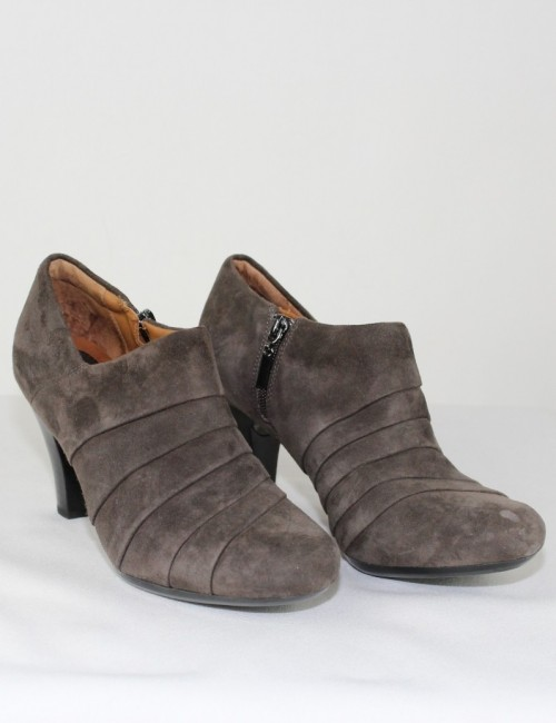 CLARKS Artisan suede leather booties