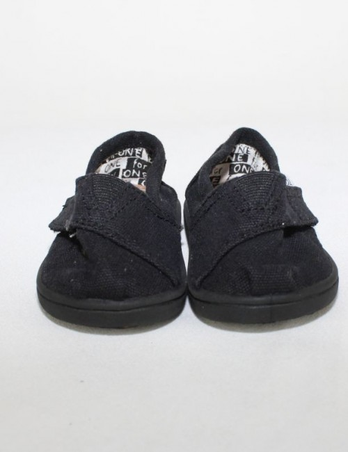 TOMS slip-on baby shoes (T4)