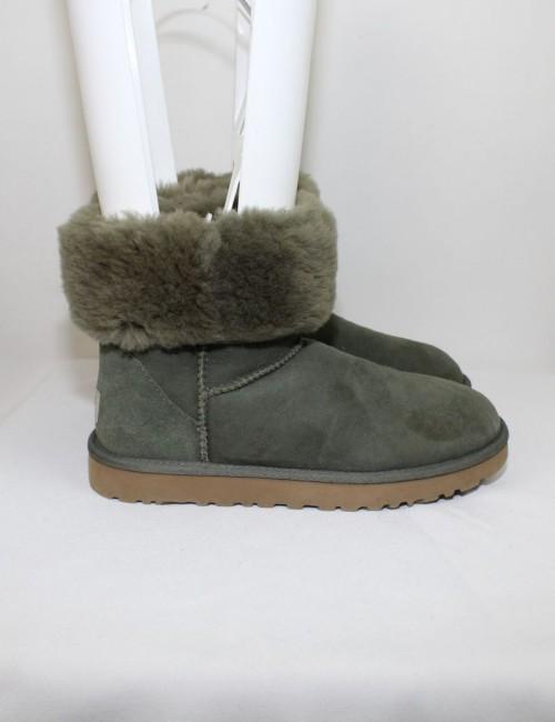 UGG AUSTRALIA womens green Classic Short boots (7) 5825