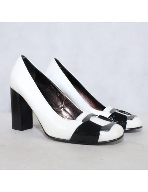 VIA SPIGA V-Piano white heels!