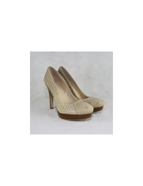 Calvin Klein Kendall Leather Classic Pumps Size 8M